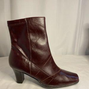 NEW Aerosoles Cintercity Cognac ankle boots 10